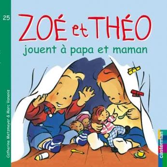 Zoé et Théo jouent à Papa et Maman